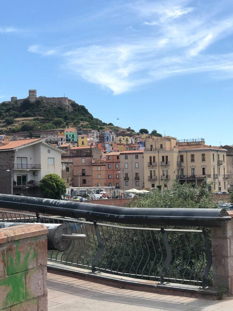 Panoramica della città di Bosa
